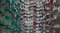 Jika kamu menganggap Jakarta adalah kota terpadat yang pernah kamu lihat, kamu harus lihat foto-foto yang diambil di Hong Kong berikut ini.