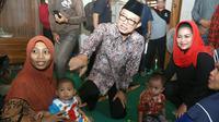 Menemui sejumlah ibu hamil dan lansia, cawagub Jawa Timur, Puti Guntur Soekarno, menyosialisasikan nutrisi makmur. (Merdeka.com)