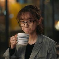 Park Se Wan biasanya tampil dengan rambutnya yang lurus. Akan tetapi demi drama I'm Not Robot, ia rela rambutnya dikeriting. (Foto: gramunion.com)