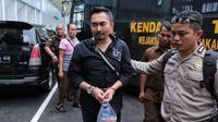 Sidang Gatot Brajamusti terkait dugaan kasus asusila kembali di gelar di Pengadilan Negeri Jakarta Selatan pada Selasa (16/1/2018). Sidang kali ini beragendakan penuturan saksi ahli. (Adrian Putra/Bintang.com)