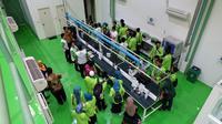 Para mahasiswa UIN Walisongo berkunjung ke markas ICK yang menjadi dapur pengembangan teknologi antisadap di Indonesia. (foto : liputan6.com/edhie prayitno ige)