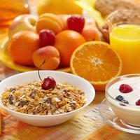 Sarapan pagi sebelum memulai aktifitas sangatlah penting, berikut 7 menu sarapan sehat, mudah dan murah meriah.