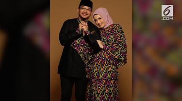 Musibah gempa Palu bukan hanya dirasakan oleh masyarakat kebanyakan di kotamadya Sulawesi Tengah, tapi juga keluarga Pasha Ungu, wakil Walikota Palu. Adelia Pasha, istri Pasha Ungu menceritakan apa yang terjadi usai gempa bermagnitudo 7,4 itu.