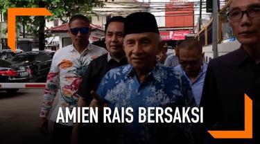 Ketua Dewan Kehormatan Partai Amanat Nasional, Amien Rais datangi sidang kasus Ratna Sarumpaet hari Kamis (4/4). Amien Rais tak berkomentar banyak saat ditanya awak media di PN Jakarta Selatan.