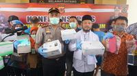 Polres Cianjur mengungkap kasus pencurian dan penjualan masker di RSUD Pagelaran, Kamis (26/3/2020). (Istimewa)