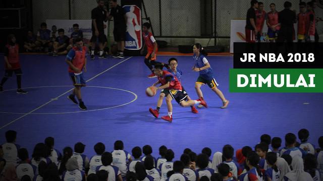 Berita video Jr Nba Indonesia 2018 telah dimulai . Edisi tahun ini terasa lebih berbeda karena selain anak-anak, para pelatih basket juga mendapatkan kesempatan untuk mendapatkan pelatihan.