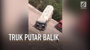 Video pengemudi truk putar balik di jalan gunung yang curam dan sempit di China jadi viral
