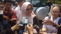 Keluarga salah satu WNI dari Wuhan tiba di Halim Perdanakusuma. (Liputan6.com/Putu Merta Surya Putra)