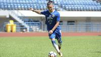 Gelandang Persib Bandung, Kim Jeffrey Kurniawan. (Twitter/@KimKurniawan)