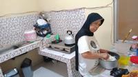 Wari, penyandang tunanetra yang pandai memasak. Foto: Tangkapan Layar YouTube Netralitas Iksan.