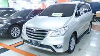 Salah satu model yang masih cukup laris adalah Toyota Innova yang bermesin diesel.