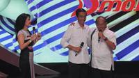 Jokowi dan Ical pun tampak berangkulan dan tetap hangat meski dalam bursa capres harus bersaing (Liputan6.com/Herman Zakharia)
