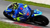 Pembalap Suzuki, Andrea Iannone, menjadi yang tercepat pada hari kedua tes pramusim resmi MotoGP 2017 di Sirkuit Sepang, Malaysia, Selasa (31/1/2017). (Autosport)