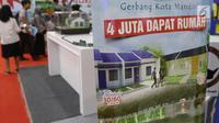 Iklan penawaran rumah dalam Indonesia Property Expo (IPEX) 2019 di Jakarta Convention Centre, Sabtu (2/2).  Ada 167 pengembang terlibat dalam IPEX ini yang terdiri dari 116 pengembang KPR non subsidi dan 51 pengembang subsidi. (Liputan6.com/Angga Yuniar)