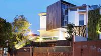 Arsitektur rumah kontemporer karya Wastu Cipta Parama. (dok. Arsitag.com)