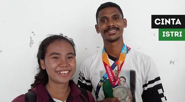 Berita video momen pelari disabilitas Indonesia, Felipus Kolymau, meraih medali perak setelah termotivasi berkat dukungan istri tercinta, Feby Priskila Fransie, yang juga atlet lari disabilitas.