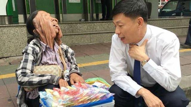 Wajahnya Mencair, Ini Alasan Nenek Wiang Tolak Bantuan Medis ...