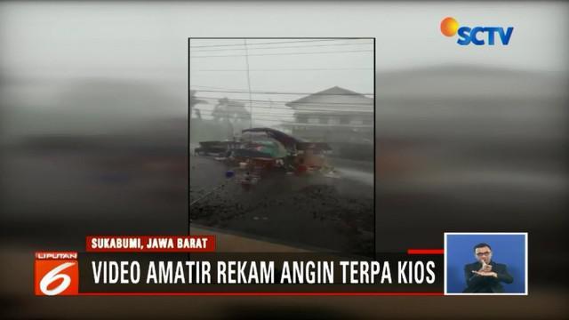 Angin kencang landa Sukabumi, Jawa Barat, BPBD rilis empat kecamatan dinyatakan rusak parah.