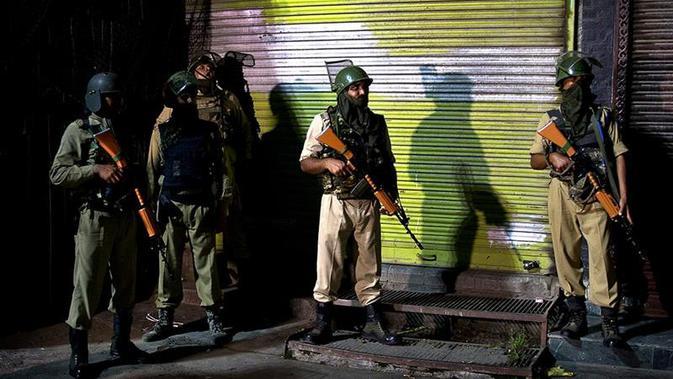Ilustrasi pasukan pemerintah India di wilayah Kashmir (AP/Dar Yasin)