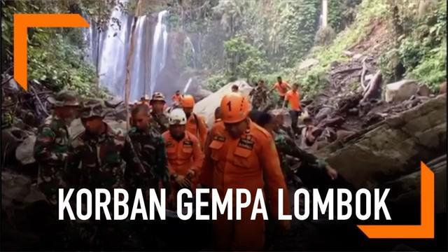 Petugas gabungan menemukan satu jenazah wisatawan yang tertimbun longsor di Lombok. Petugas juga memastikan tak ada lagi korban di kawasan wisata Air Terjun Tiu Kelep.