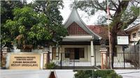 Asrama Merapi Singgalan dan Bundo Kanduang. (Bola.com/Alfi Yuda)