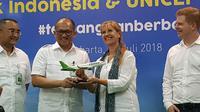 Penandatanganan kemitraan Citilink Indonesia dengan UNICEF dalam meluncurkan program #TerbangdanBerbagi untuk membantu kehidupan anak-anak Indonesia menjadi lebih baik.