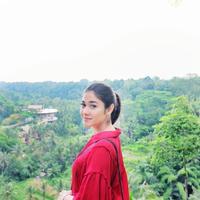 Naysila Mirdad dikenal sebagai seorang artis Indonesia yang jauh dari kabar tak sedap. Selain itu, gadis kelahiran 23 Mei 1988 ini merupakan artis yang tidak neko-neko. (Foto: instagram.com/naymirdad)