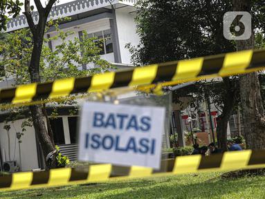 Suasana hari pertama pengoperasian Rs. Darurat Covid Asrama Haji Pondok Gede, Jakarta, Sabtu (10/7/2021). Presiden Joko Widodo secara resmi mengumkan asrama haji pondok gede difungsikan sebagai rumah sakit darurat Covid-19 pada Jumat (9/7/2021). Liputan6.com/Faizal Fanani)