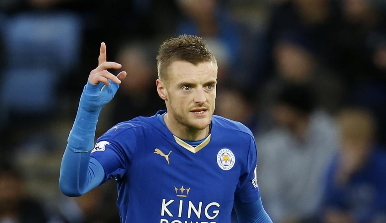 Penyerang Leicester, Jamie Vardy adalah salah satu pemain yang bersinar ditahun 2015, Rumornya Chelsea dan Manchester City menjadi klub yang terdepan untuk merekrutnya, Vardy dibanderol €45 Juta (euro)  (Reuters/Ed Sykes)