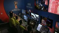 Ruangan VAR untuk memantau pertandingan. (Dok. Daily Mail).