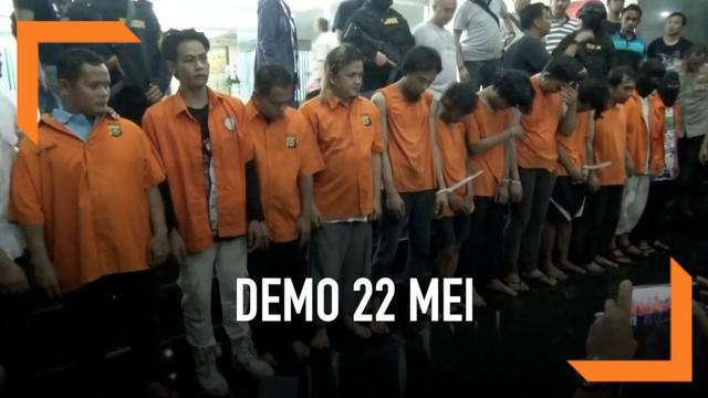 Polisi menetapkan 257 tersangka pelaku kericuhan dalam demonstrasi 22 Mei 2019. Polisi menyebut kericuhan diatur di Masjid Sunda Kelapa.