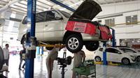 Perbaikan mobil di bengkel Auto2000 (Amal/Liputan6.com)