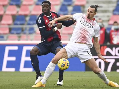 Dua peluang bagus didapat Milan lewat aksi Zlatan Ibrahimovic pada menit ke-23. Akan tetapi, bola hasil sepakan Ibra mampu digagalkan kiper. (Foto: AP/LaPresse/Massimo Paolone)