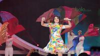 Artis Dangdut, Via Valen meramaikan Konser Energi Asian Games 2018 di Studio Indosiar, Jakarta (8/3/2018). Konser Energi Asian Games 2018 merupakan dukungan bagi event terbesar di Asia tersebut. (Bola.com/Nick Hanoatubun)