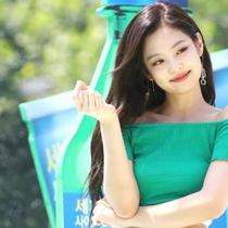 Jennie BLACKPINK di acara Sprite Waterbomb Festival 2018. (dok. screenshot video YouTube K Gossip)