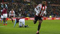 Jermian Defoe sukses menjadi pemain terbaik Premier League pekan ini dengan mencetak dua gol ke gawang Aston Villa.
