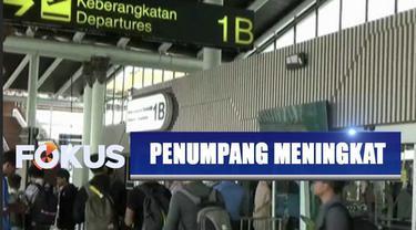 Jelang libur natal dan tahun baru, jumlah penumpang di Bandara Soekarno-Hatta mengalami peningkatan.