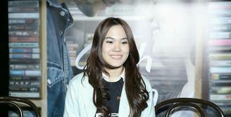 Berkelut di dunia akting, film Galih & Ratna menjadi kesempatan ke-2 Sheryl Sheinafia tampil di layar lebar setelah film Kuala Kumal. Meskipun bukan yang pertama kali, kesulitan tetap dirasakan Sheryl. (Galih W. Satria/Bintang.com)