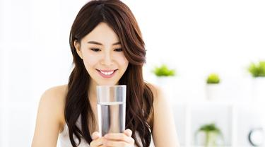 Rasakan 5 Manfaat Ini Dengan Rajin Mengonsumsi Air Hangat Beauty Fimela Com