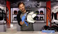 Helm harus dibersihkan dalam waktu periodik yang jelas