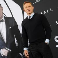 Daniel Craig dikabarkan masih terikat untuk bermain sekali lagi di film James Bond. Penyataan Daniel Craig yang cukup mengejutkan mendapat respons dari pihak Sony Pictures. (AFP/Bintang.com)