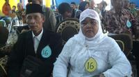 Pasangan lansia di Cianjur, Bogor, Jawa Barat nikah massal, Sabtu (2/1/2017). (Achmad Sudarno/Liputan6.com)