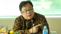 Menkeu, Bambang Brodjonegoro memberikan keterangan resmi terkait penerimaan pajak tahun 2015 di Direktorat Pajak, Jakarta Senin, (11/1). Total penerimaan pajak adalah 7.15% angka tersebut lebih meningkat di tahun 2014. (Liputan6.com/Faisal R Syam)