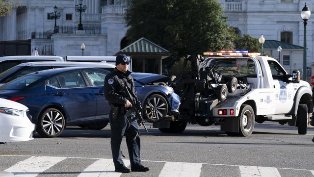 FOTO: Gedung Capitol AS Diserang, 2 Orang Tewas