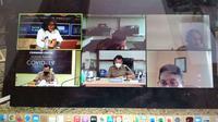 Webinar dengan tema Sinergitas Kebijakan Ekonomi Pemerintah Pusat dan Daerah Hadapi Pandemi Covid-19. (Foto: Liputan6.com/Kusfitria M)