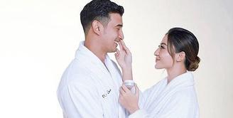 Ali Syakieb dan Margin Wieheerm, setelah resmi menikah kini tengah menikmati kehidupan barunya sebagai pasangan suami istri. Seperti yang lainnya, mereka pun berencana ingin segera memiliki momongan. (Instagram/alsyakieb)