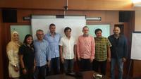 Pengurus Besar Persatuan Renang Seluruh Indonesia (PB PRSI) secara resmi memperkenalkan Zoran Kontic sebagai pelatih tim nasional polo air putri Indonesia. (Bola.com/Zulfirdaus Harahap)