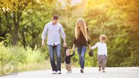 4 kebiasaan yang harus diterapkan kepada anak agar sukses keuangan dan karier