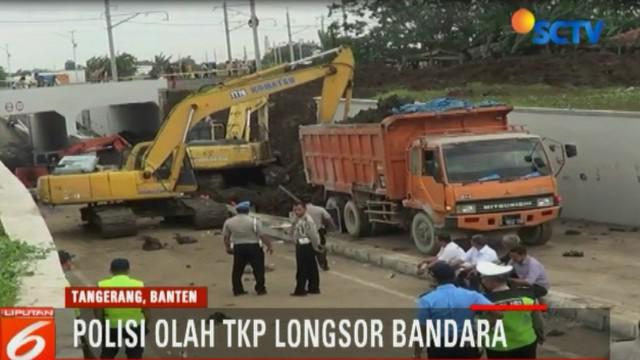 Puslabfor Mabes Polri dan Polres Bandara Soekarno Hatta, gelar olah TKP di lokasi longsor Underpass Soetta