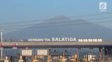 Gerbang tol Salatiga di seksi III Bawen-Salatiga, Tol Semarang-Solo memiliki pemandangan yang panoramik. Tak ayal gerbang tol ini menjadi viral di media sosial, bahkan disamakan dengan di luar negeri.